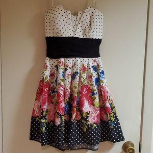 B.Darling floral strapless dress